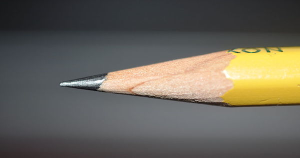 1024px-Pencil_tip_closeup_2